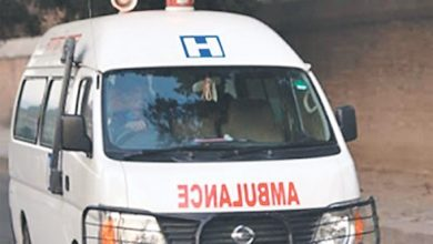 Photo of बिरामी बोक्ने एम्बुलेन्स छैन, नेतालाई ४० लाखको गाडी