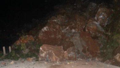 Photo of पहिरो खस्दा गुल्मीमा सडक अवरुद्ध