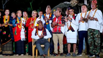 Photo of गायक मन बहादुर थापाको नयाँ सोरठी भाका 'शिरै चढाऊँला' बजारमा (भिडियो)
