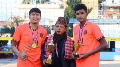 Photo of न्युटन बाग्लुङ भलिवल कप २०७६ को उपाधी दिल सुनार र मान बहादुरको टोलीलाई, ७० हजार रुपैँया पुरस्कार