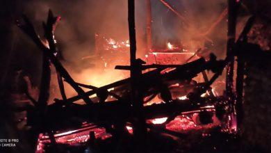 Photo of बडिगाड २, सिमलचौरमा आगलागि हुँदा १ घरगोठ पूर्ण रुपमा जल्यो, परिवारको विचल्ली