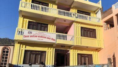Photo of गुल्मीमा मापदण्ड विपरीत पुन: निर्माणका बिद्यालय भबन ठेक्कामा, कार्यालय प्रमुख भन्छन् थाहा छैन
