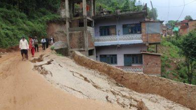 Photo of तम्घासका पहिरोपीडित भन्छन 'बस्तीबारे भौगर्भिक अध्ययन गर्नुप¥यो'